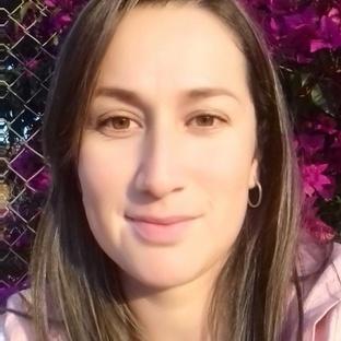 Claudia perfil